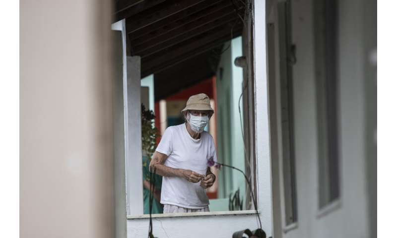 Brazil launches booster shots while many are still waiting for the second jab