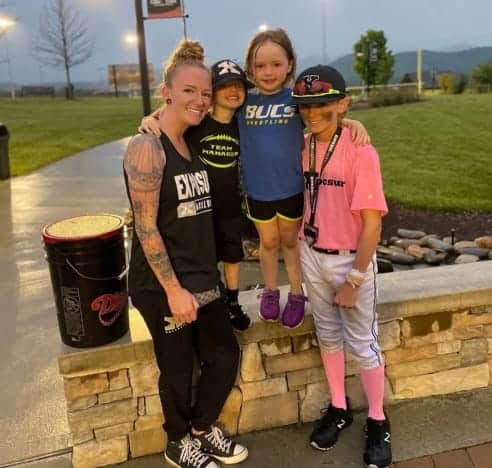Maci Bookout with her children